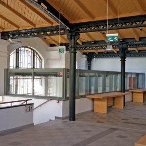 Carrelages pour grandes surfaces, centres commerciaux, locaux industriels, ateliers, garages, entrepôts...